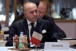 France Joins Israel, GCC in Opposing Obama's Iran Deal