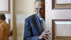 Top Democrat opposes Obama's Iran nuclear deal