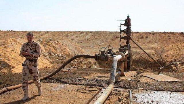 Assad Yields Deliberately Last Oil Field to IS