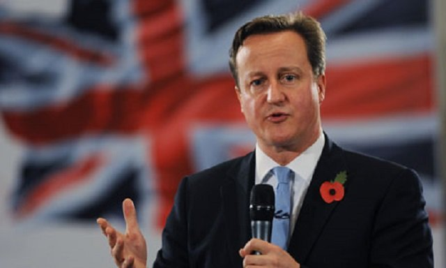 Cameron bows to pressure to take more Syrian refugees
