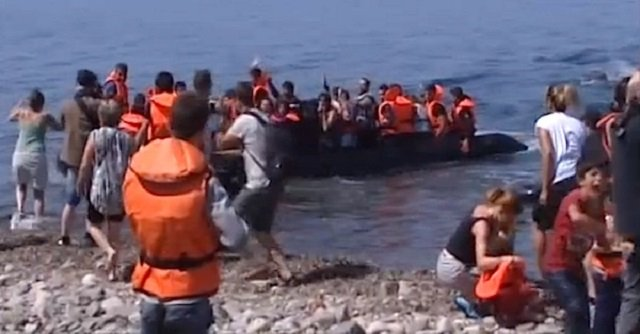 Two Syrian Girls Drown in New Migrant Boat Sinking