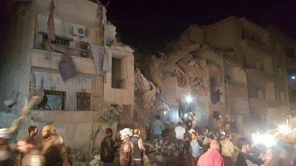 Deaths as air strikes hit Idlib hospital