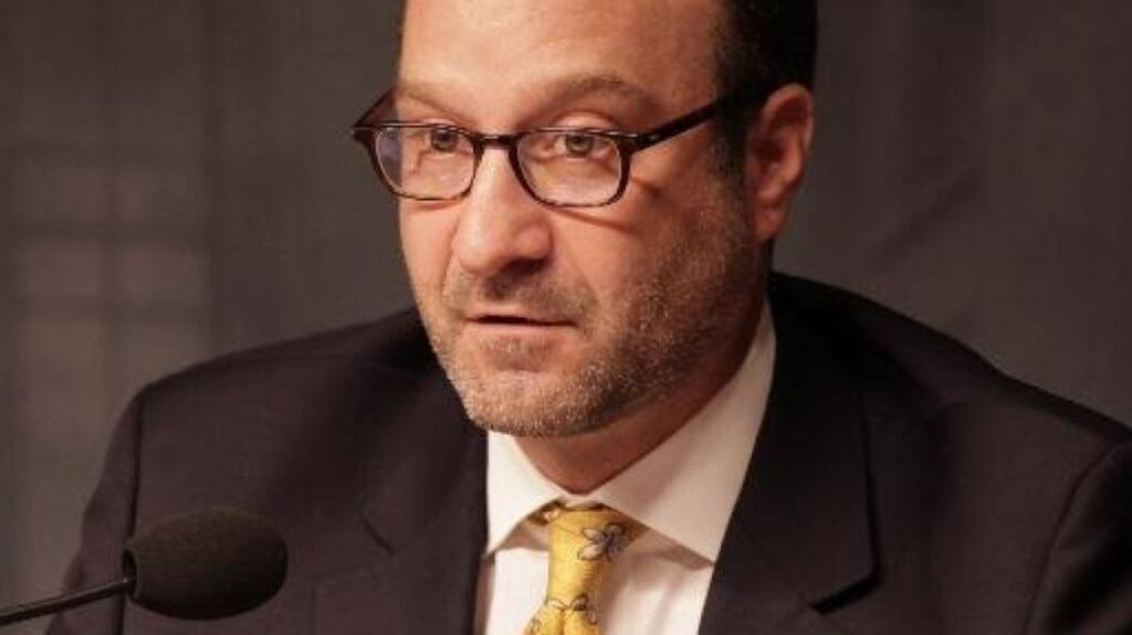 Schencker Urges Reforms to Combat Hezbollah Corruption