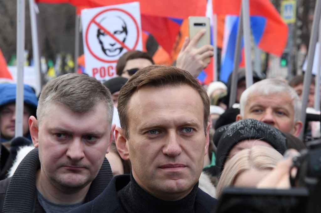 Any Reason Why the World Should Not Poison Vladimir Putin?